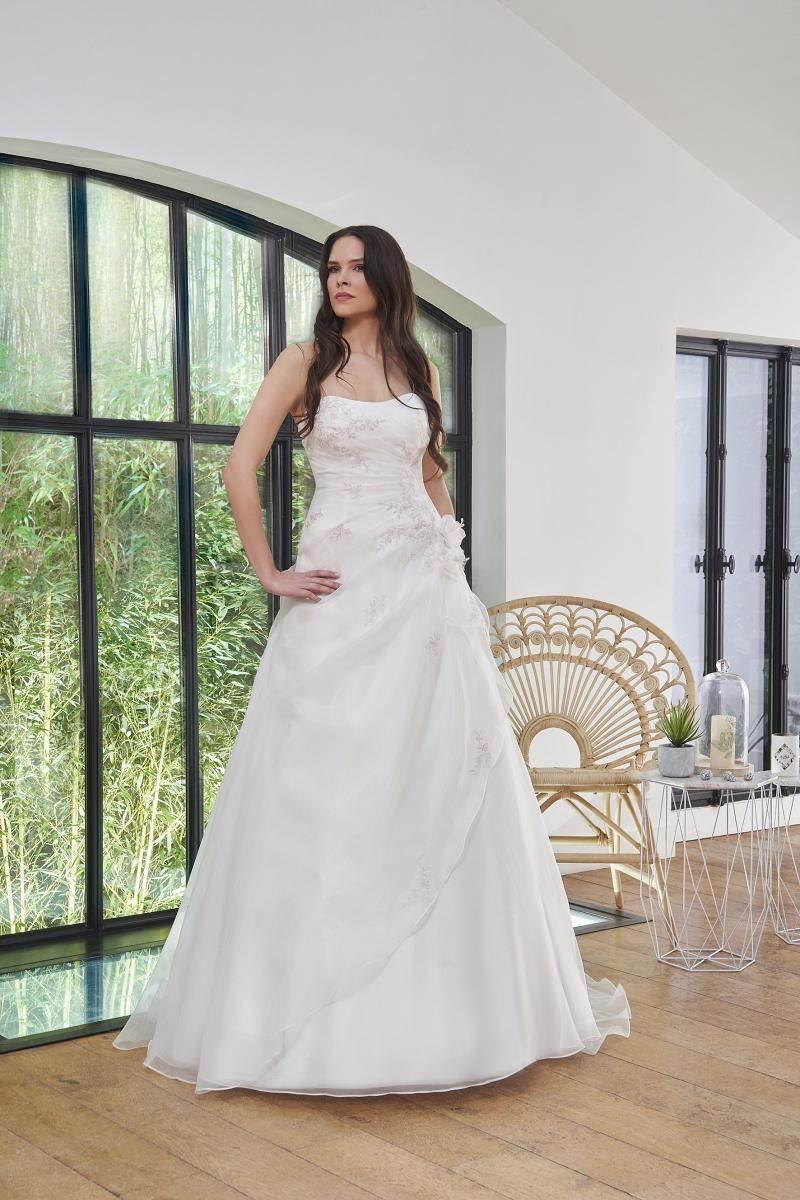 celli-spose-2019-sposa-miss-paris-193-03-054