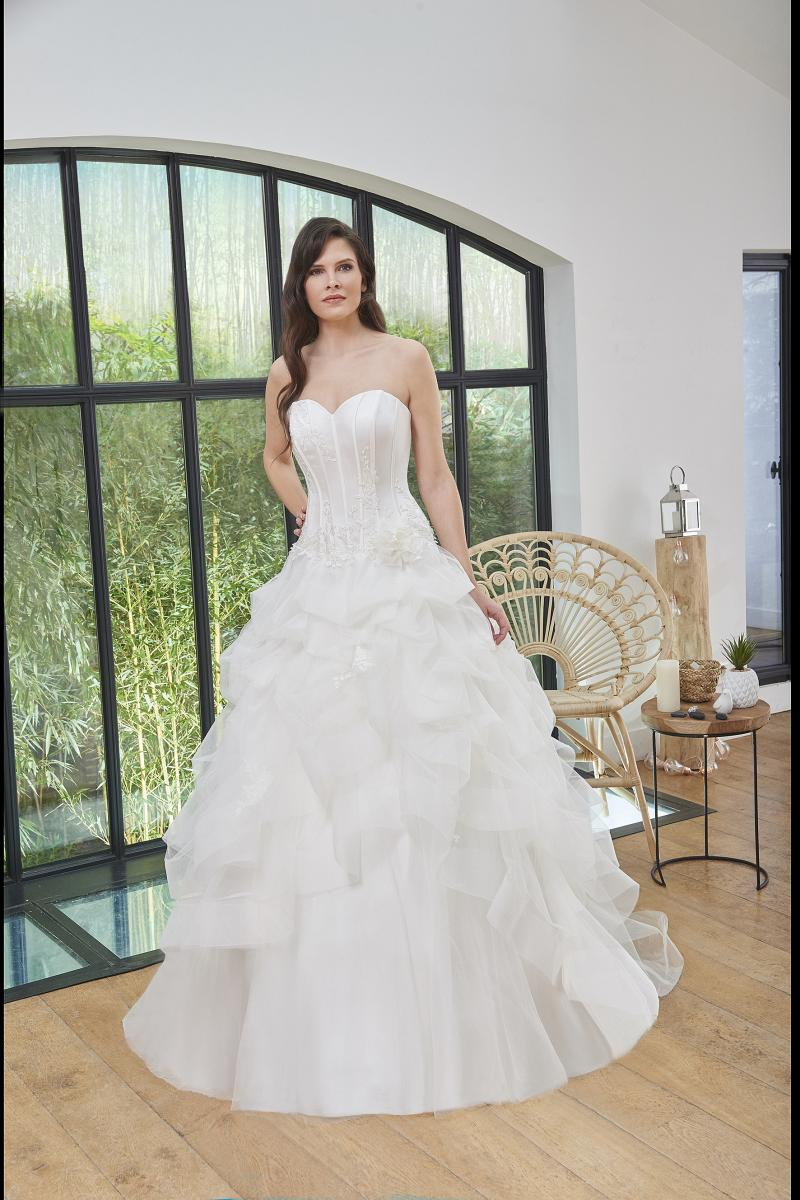 celli-spose-2019-sposa-miss-paris-193-07-060