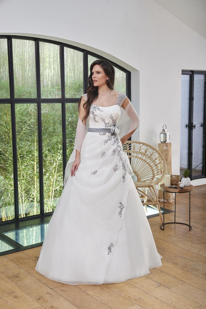 celli-spose-2019-sposa-miss-paris-193-08-005