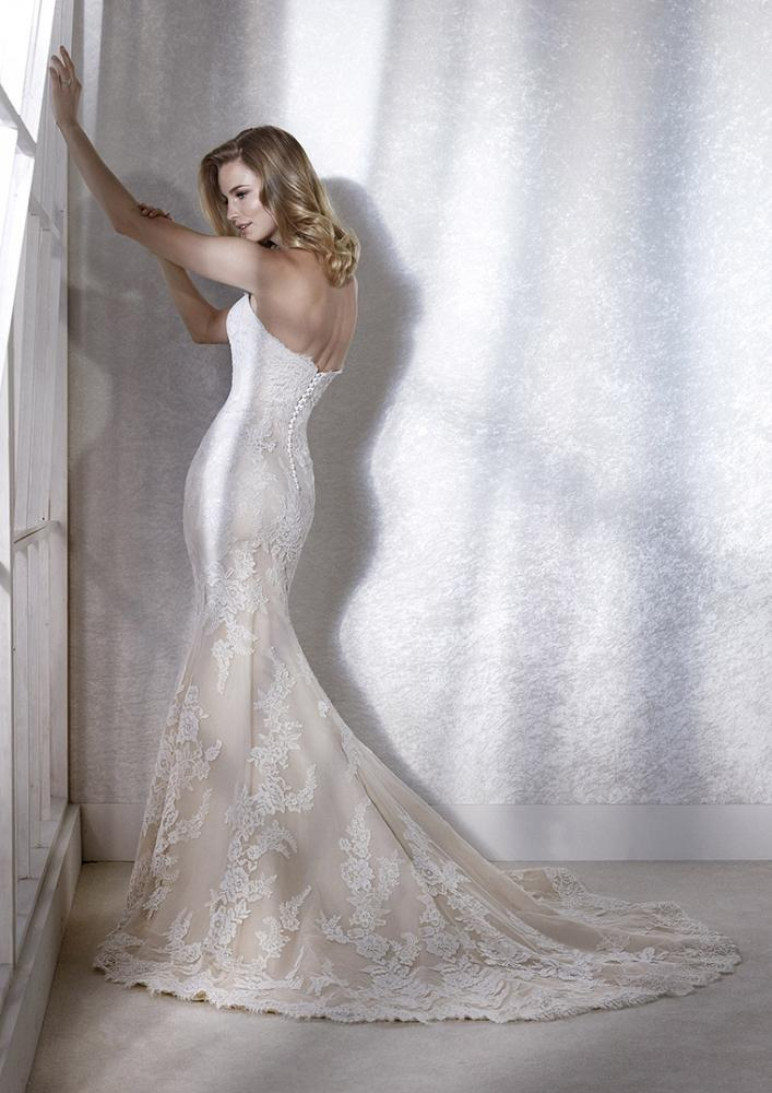 celli-spose-2020-white-one-pronovias-FAMOSA-C