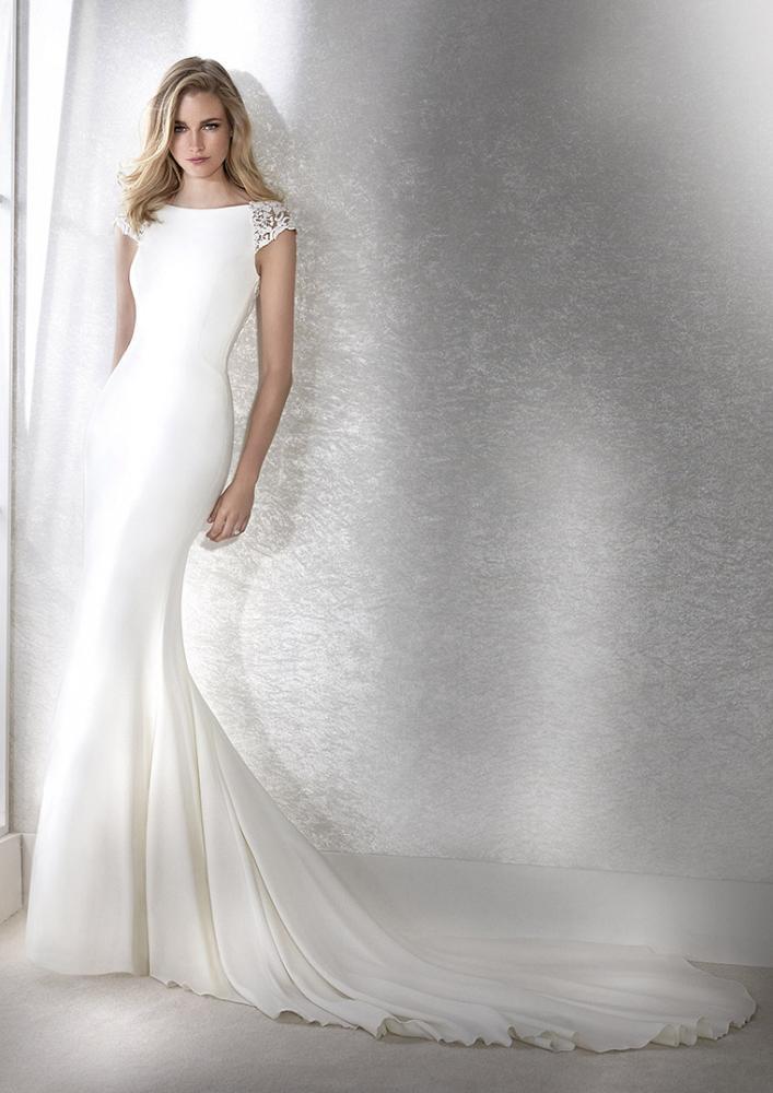 celli-spose-2020-white-one-pronovias-FIANA-B