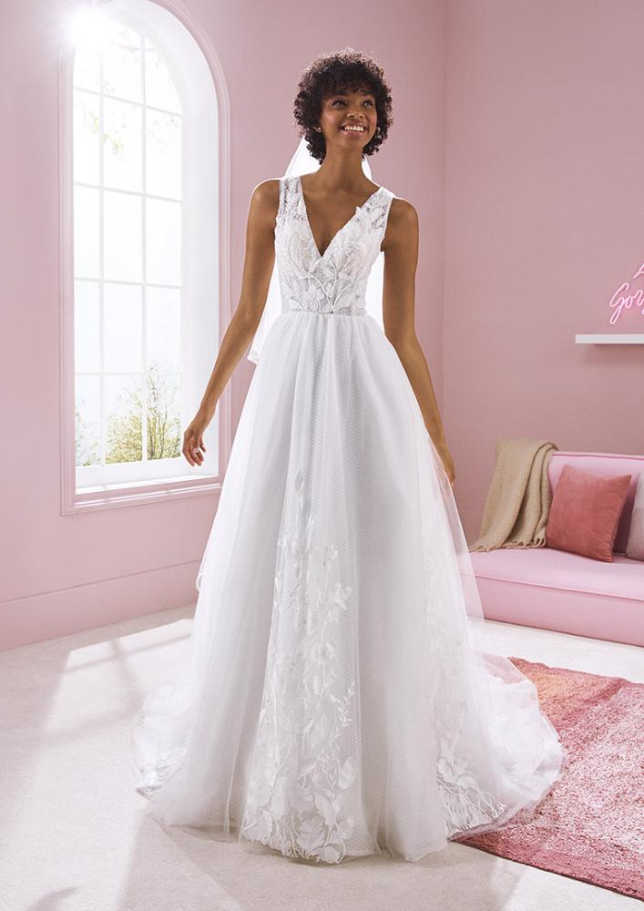 celli-spose-2020-white-one-pronovias-KAREN-B