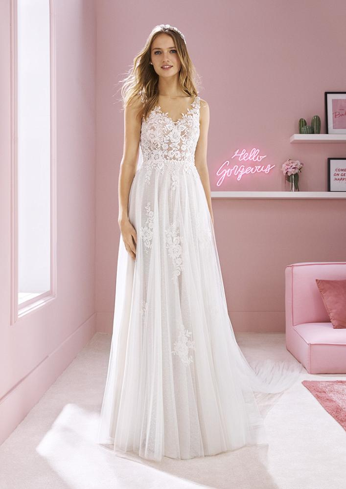 celli-spose-2020-white-one-pronovias-MEGAN-B