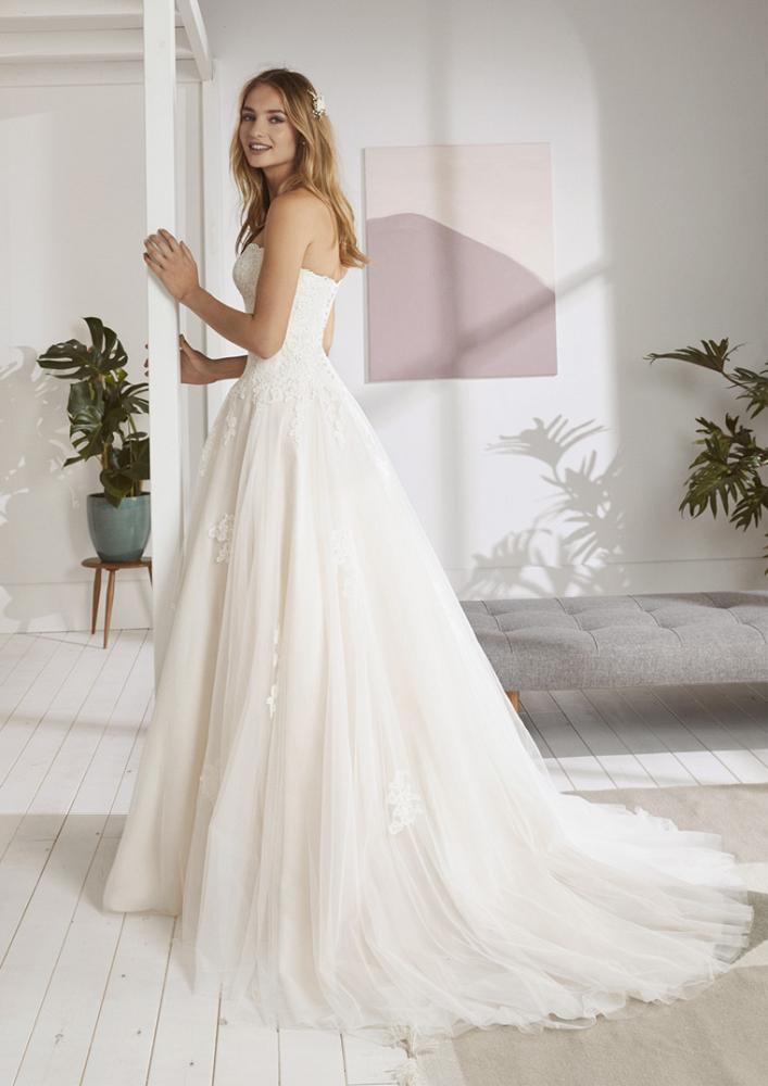 celli-spose-2020-white-one-pronovias-ORDIZIA-C
