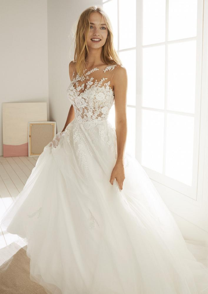 celli-spose-2020-white-one-pronovias-OROPESA-D