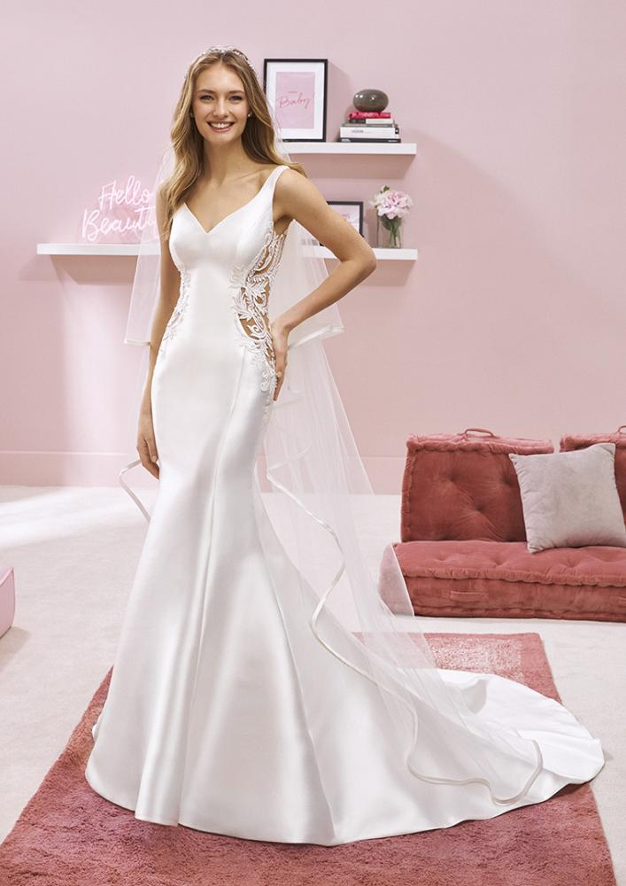 celli-spose-2020-white-one-pronovias-RAI-B