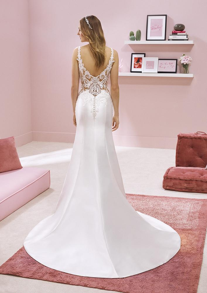 celli-spose-2020-white-one-pronovias-RAI-C