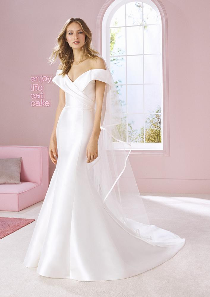 celli-spose-2020-white-one-pronovias-TINA-B