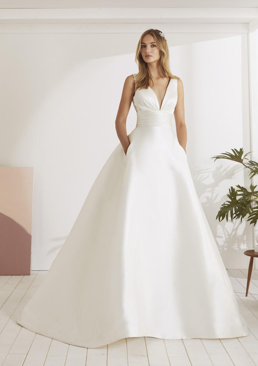 celli-spose-collezione-matrimonio-sposa-white-one-pronovias-ODINA-B