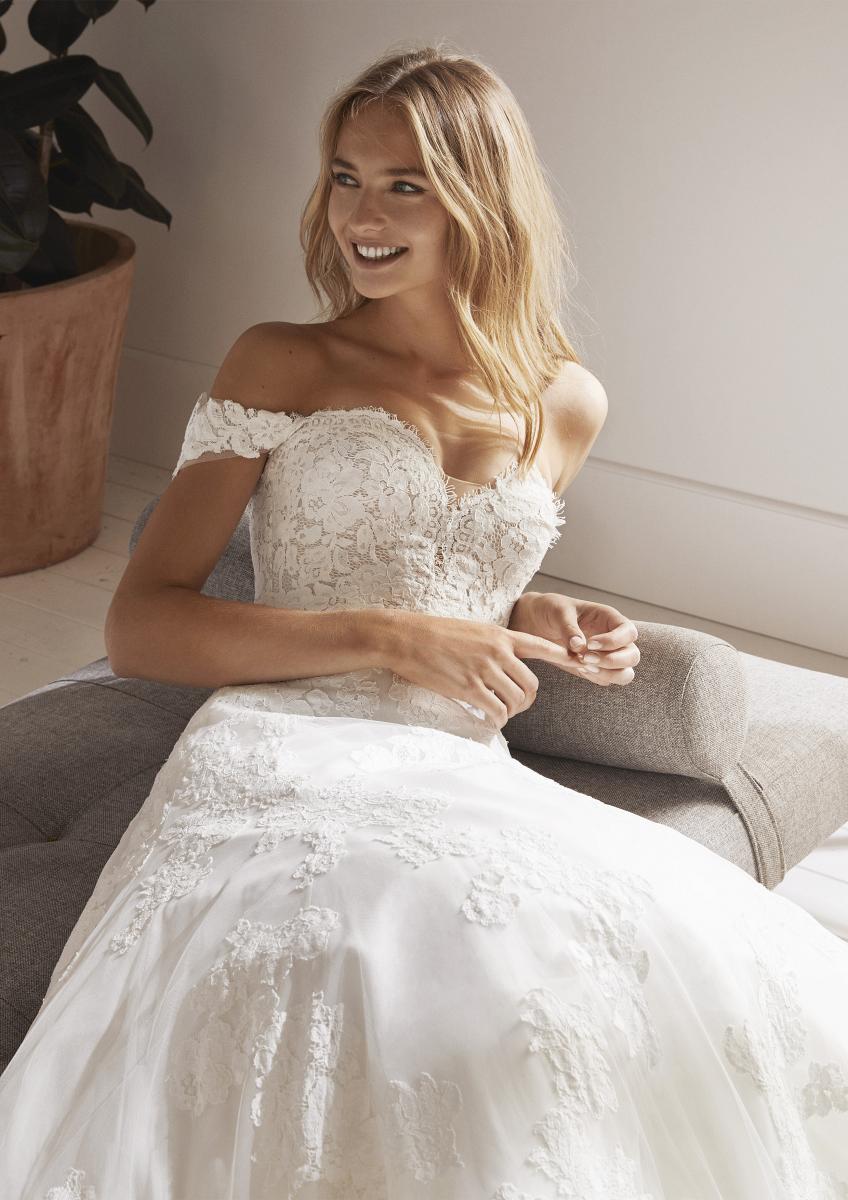 celli-spose-collezione-matrimonio-sposa-white-one-pronovias-OLIOLA-D