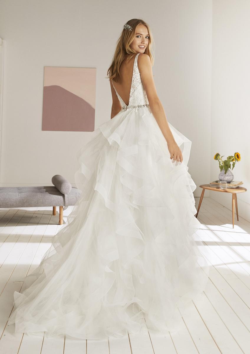 celli-spose-collezione-matrimonio-sposa-white-one-pronovias-OLTON-C