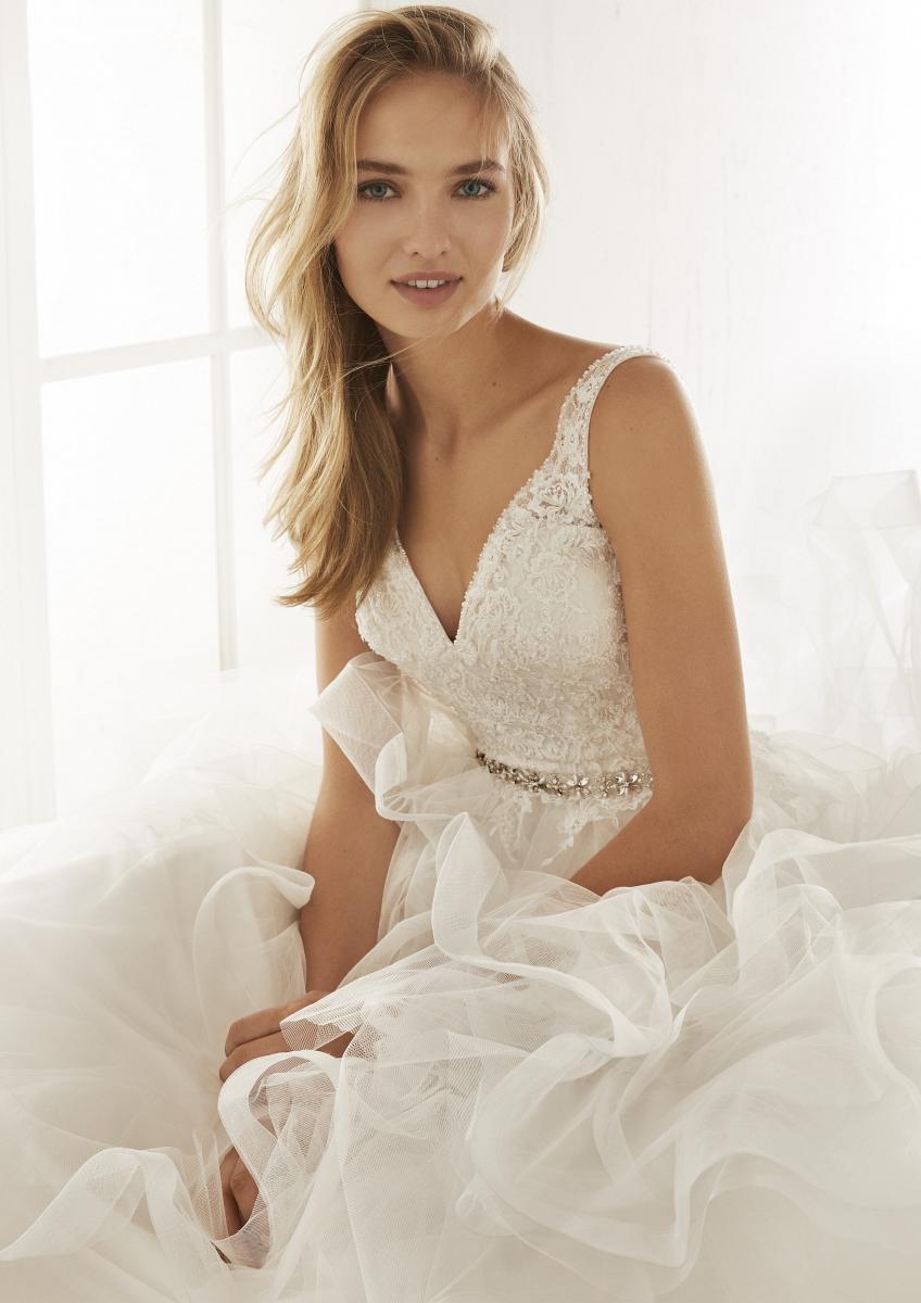 celli-spose-collezione-matrimonio-sposa-white-one-pronovias-OLTON-D
