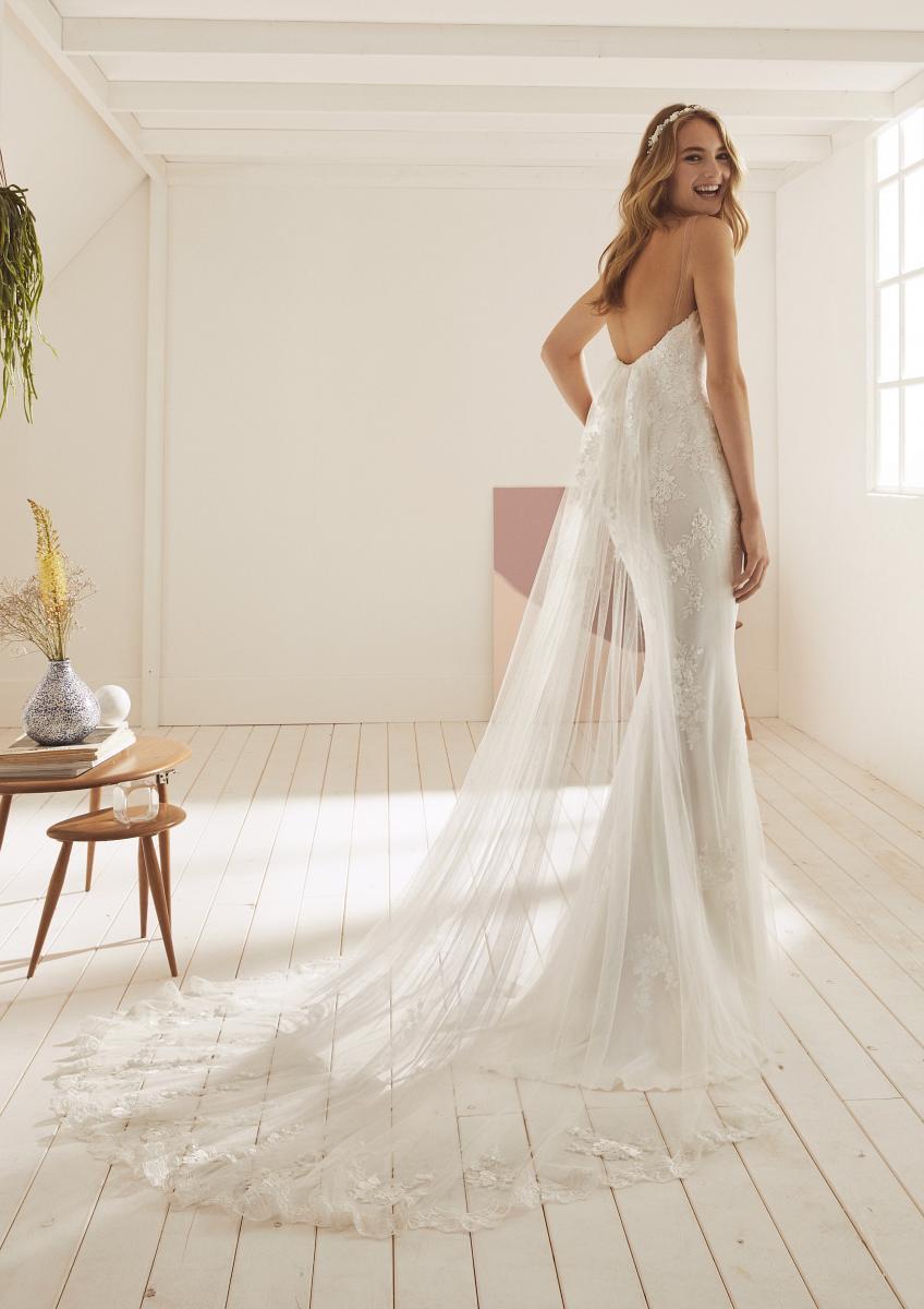 celli-spose-collezione-matrimonio-sposa-white-one-pronovias-OMAIRA-C