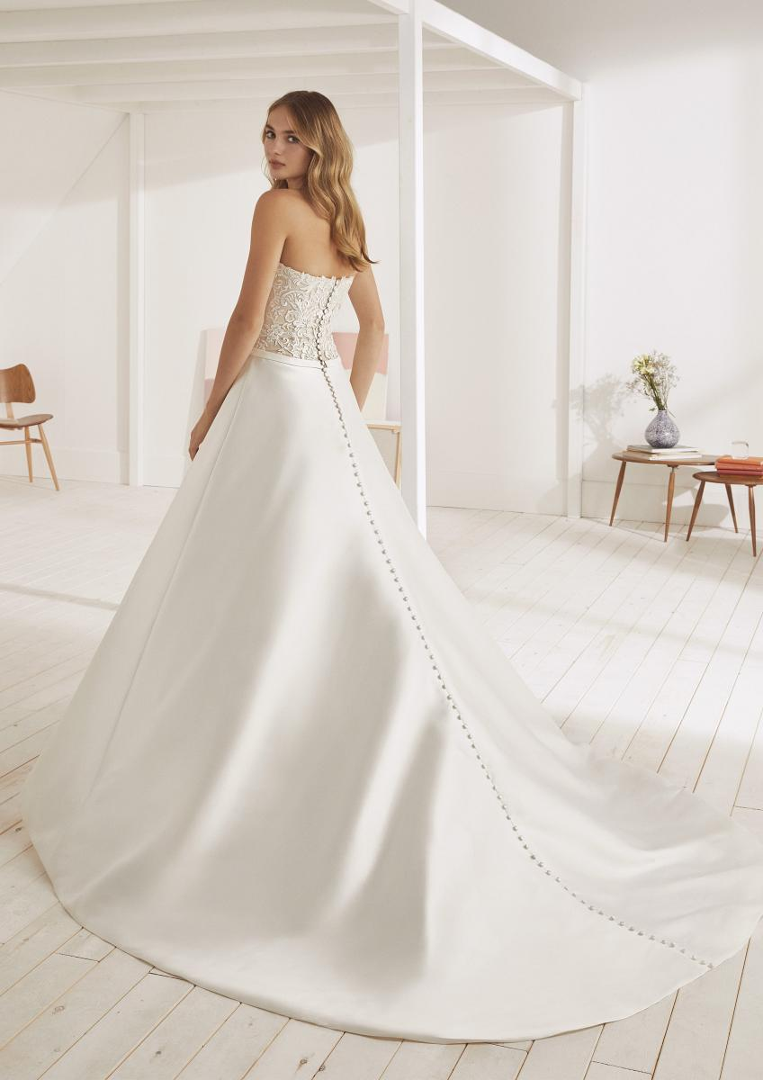 celli-spose-collezione-matrimonio-sposa-white-one-pronovias-OONA-C