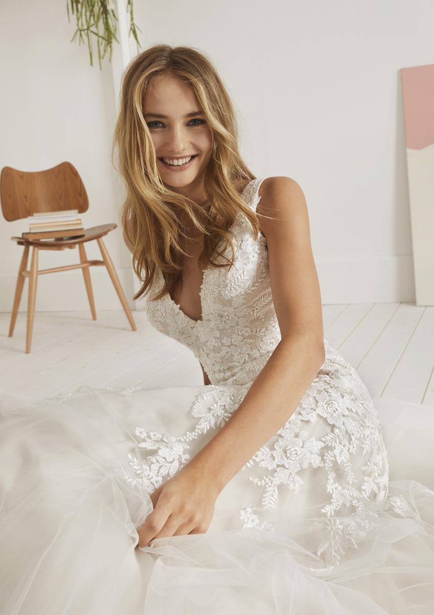 celli-spose-collezione-matrimonio-sposa-white-one-pronovias-OVIEDO-D