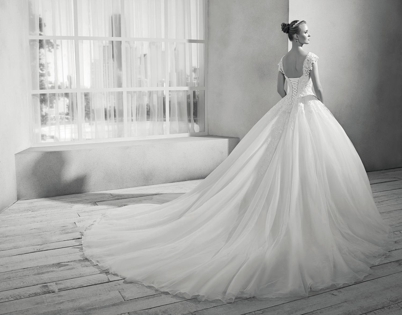 celli-spose-collezione-sposa-2019-divina-sposa-19107-D04_3792 B1W
