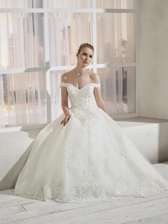 celli-spose-collezione-sposa-2019-divina-sposa-19113-CB09_3941