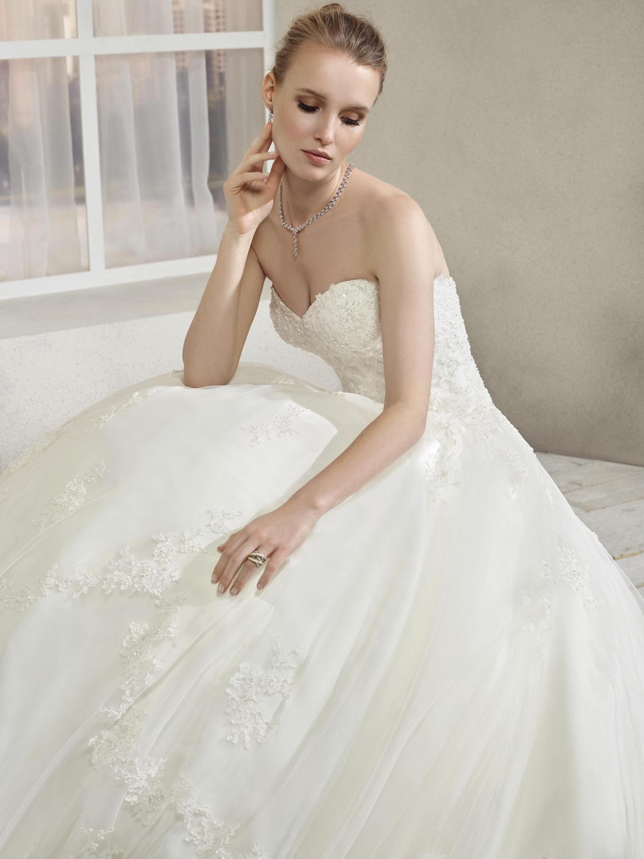 celli-spose-collezione-sposa-2019-divina-sposa-19127-CB06_4026