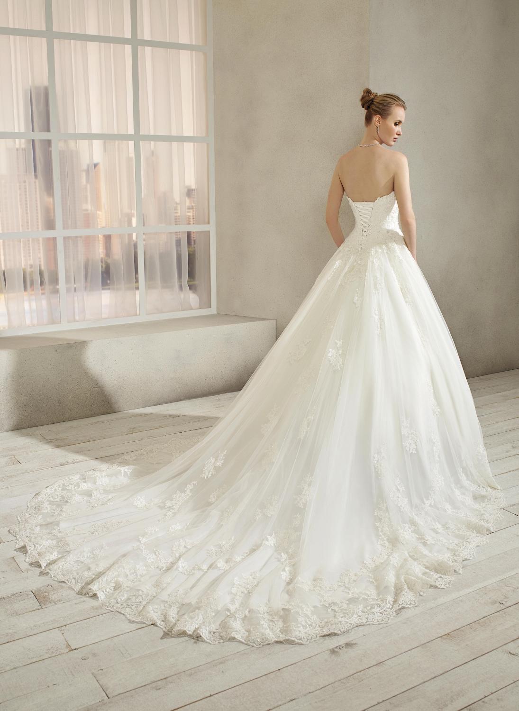 celli-spose-collezione-sposa-2019-divina-sposa-19127-CB06_4076
