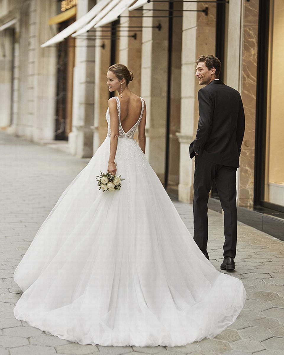 celli-spose-sposa-2022_LUNA-NOVIAS-ROSA-CLARA-6S132_1_FIAN