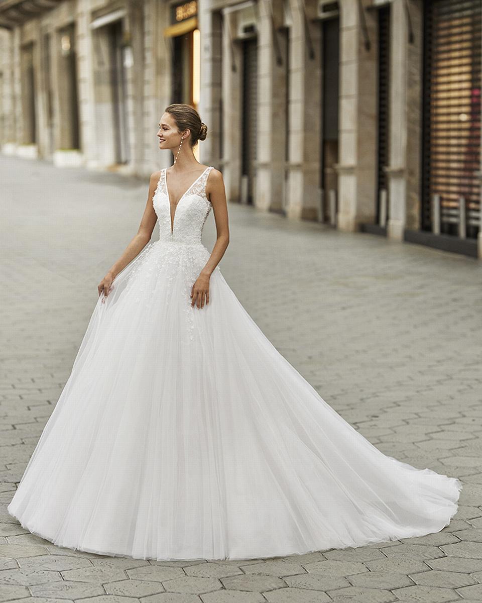 celli-spose-sposa-2022_LUNA-NOVIAS-ROSA-CLARA-6S132_2_FIAN