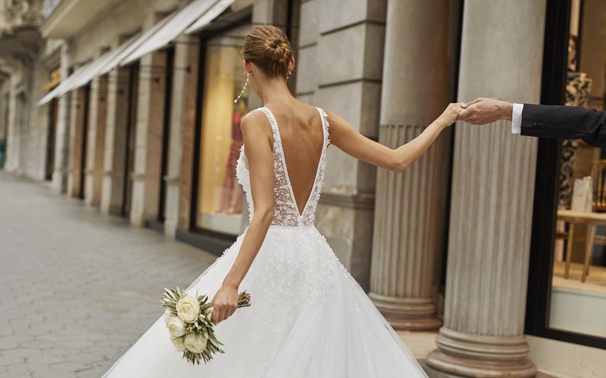 celli-spose-sposa-2022_LUNA-NOVIAS-ROSA-CLARA-6S132_3_FIAN