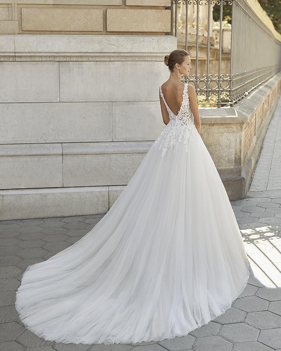 celli-spose-sposa-2022_LUNA-NOVIAS-ROSA-CLARA-6S140_2_FIORELA