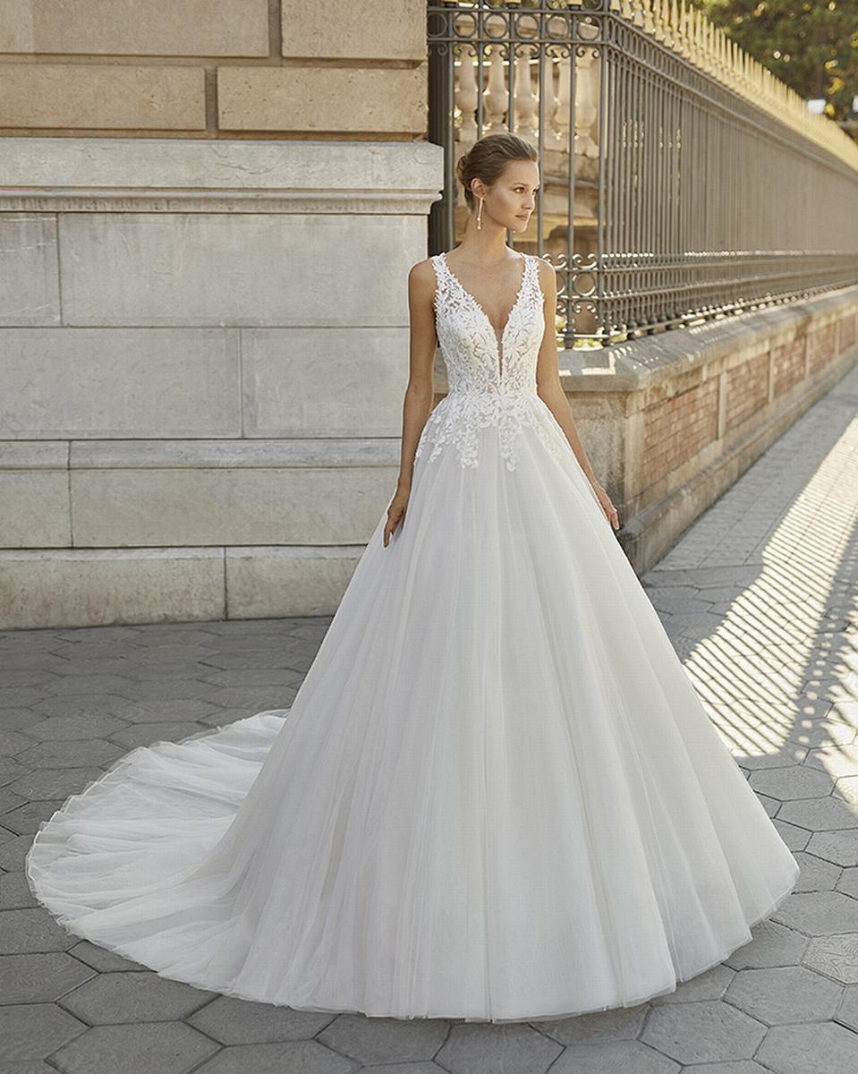 celli-spose-sposa-2022_LUNA-NOVIAS-ROSA-CLARA-6S140_3_FIORELA