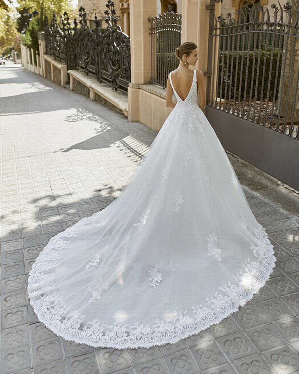 celli-spose-sposa-2022_LUNA-NOVIAS-ROSA-CLARA-6S146_1_FOCUS