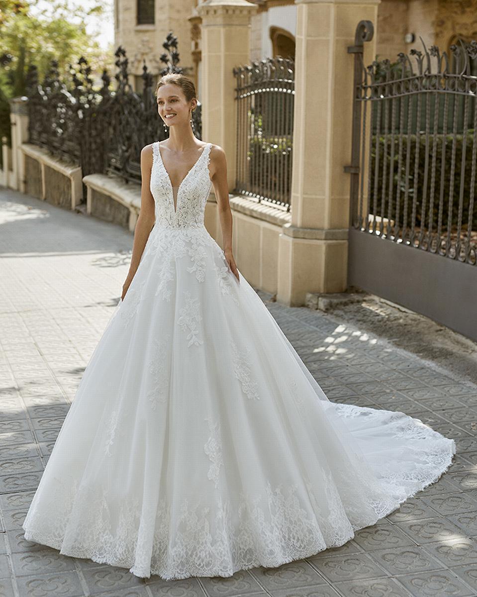 celli-spose-sposa-2022_LUNA-NOVIAS-ROSA-CLARA-6S146_2_FOCUS