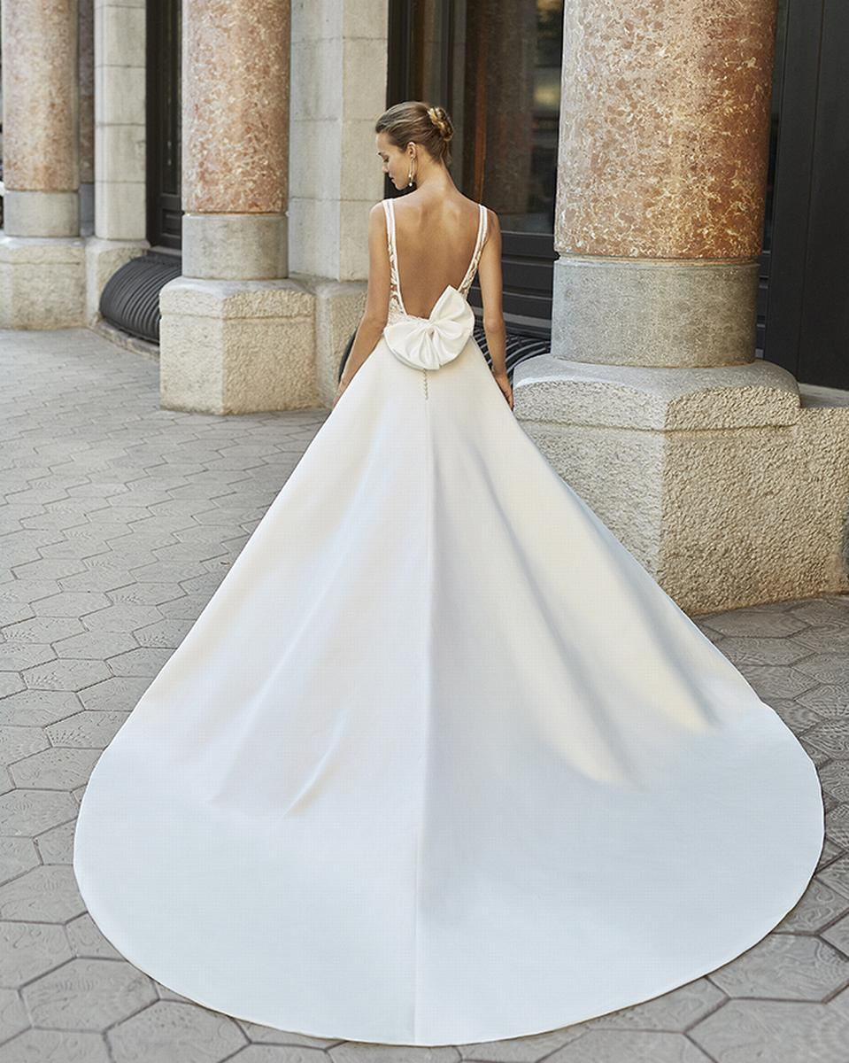 celli-spose-sposa-2022_LUNA-NOVIAS-ROSA-CLARA-6S153_2_FRESA
