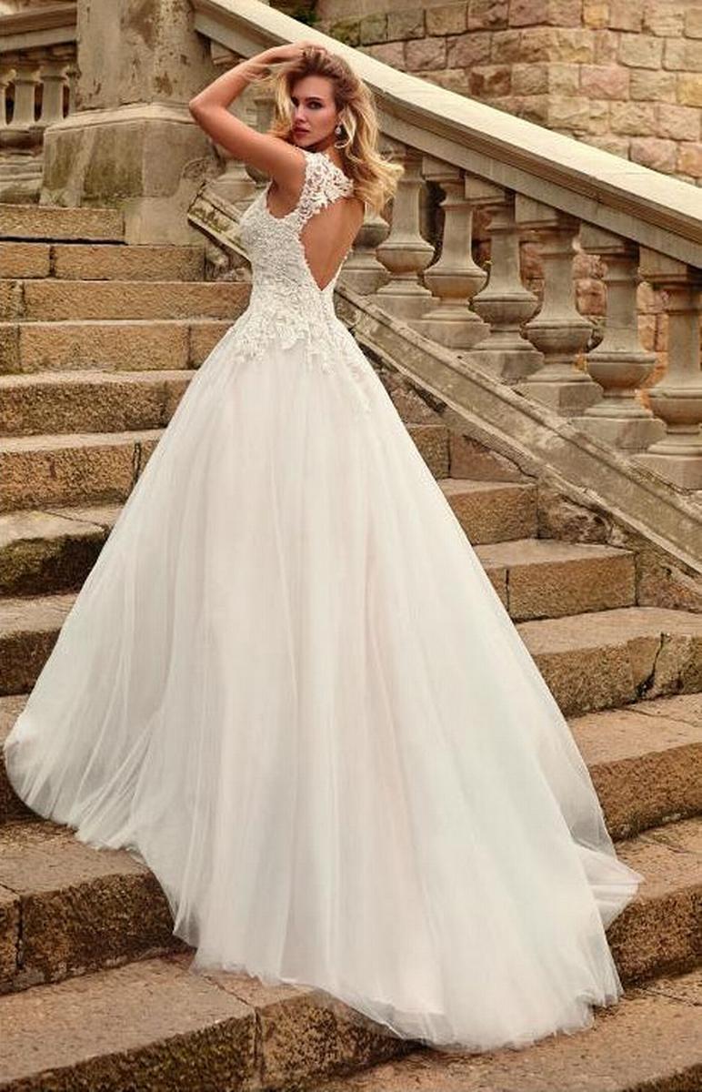 celli-spose-sposa-2022_SUSANNA-RIVIERI-310643-3